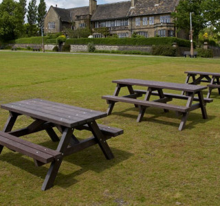 3 plastic wood park benches